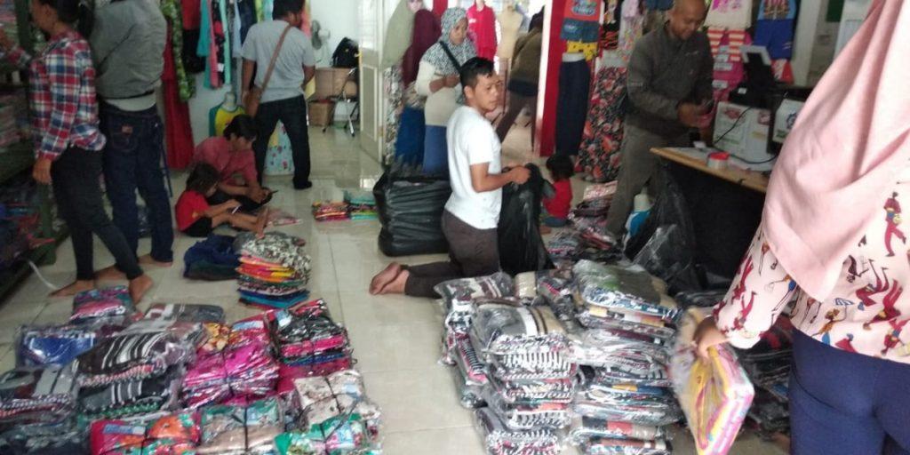 Grosir Baju Murah Surabaya,SMS/WA ORDER ke 0857-7221-5758 Obral Baju Anak Murah Surabaya